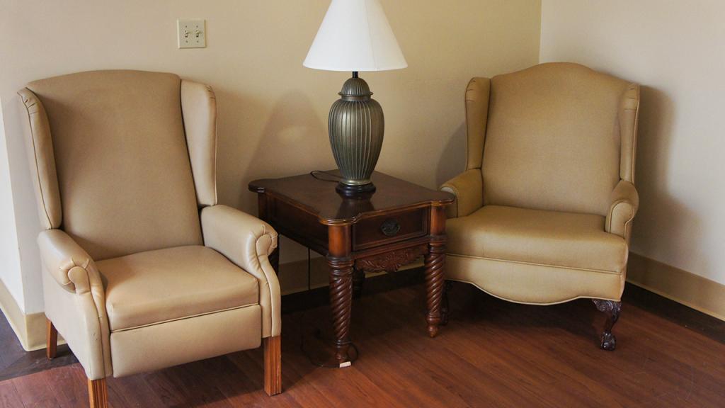 Hallway Chairs – Westchester Sunrise